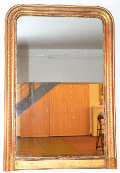schön gearbeiteter schlichter goldener spiegel aus dem 19.jahrhundert