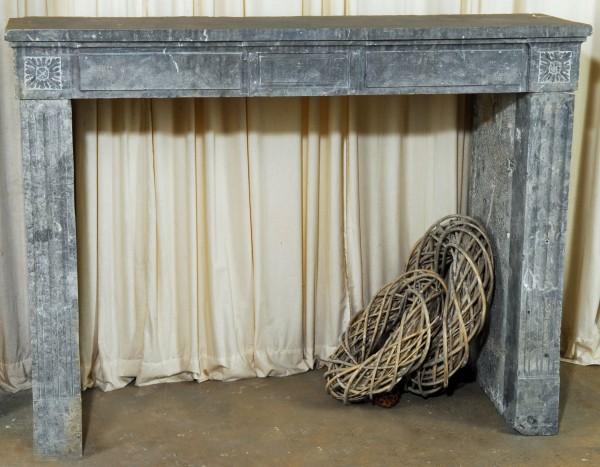 Stil: Louis XVI,  Ausführung: Sandstein