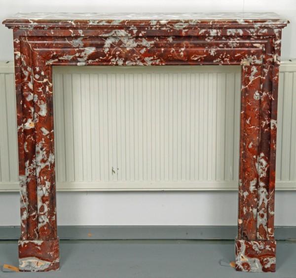 Stil: Louis XIII,  Farbe: belgisch-rot,  Ausführung: Marmor
