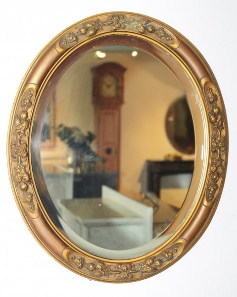 schöner,verzierter ovaler Jugendstil-Spiegel