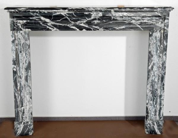 Marmorkamin schwarz weiß; Stil: Louis XIII