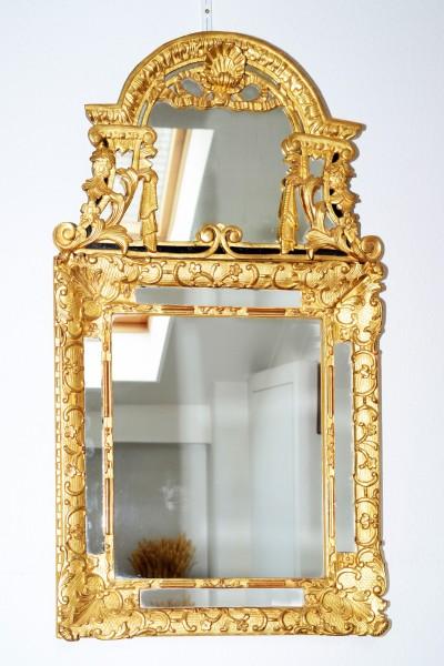 feuer vergoldeter spiegel aus dem 18. jahrhundert