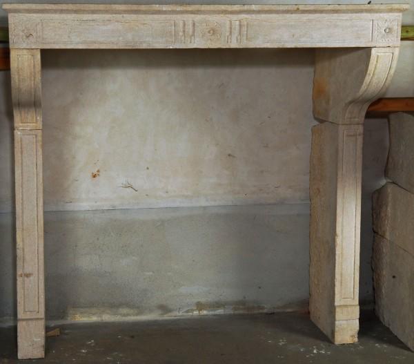 Stil: Louis XVI Ausführung: Sandstein