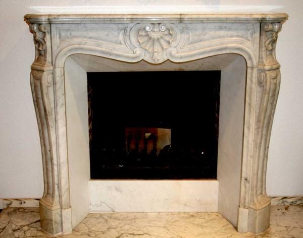 Stil: Louis XV, Farbe: weiß,  Ausführung: Marmor