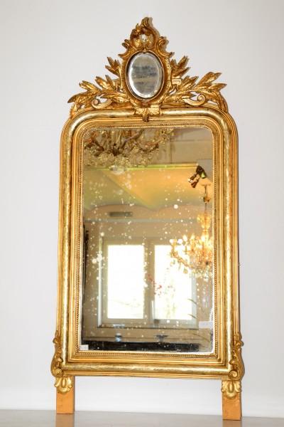 fein gearbeiteter goldener spiegel aus dem 19. jahrhunder