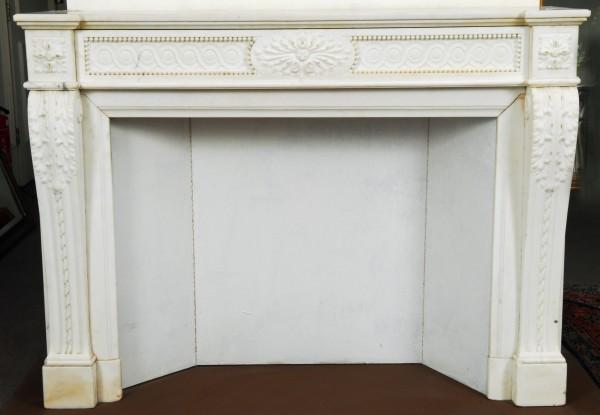 Stil: Louis XVI, Farbe: sehr weiß,  Ausführung: Marmor
