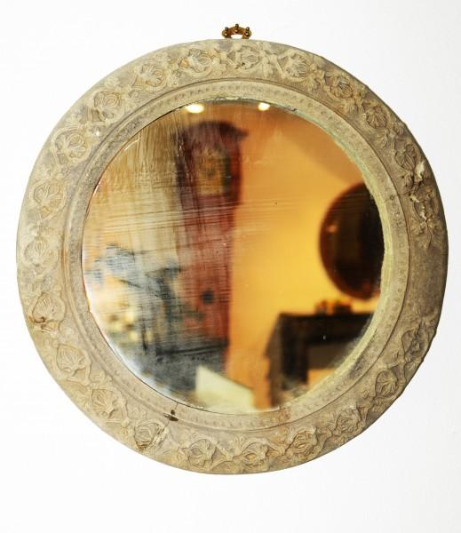 schöner runder spiegel aus dem 17. jahrhundert