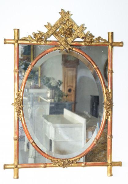 schön gearbeiteter  spiegel, rahmen aus bambus