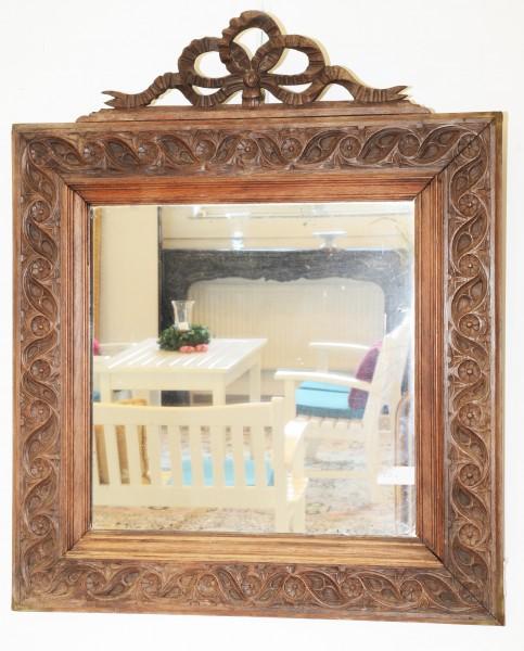 schön gearbeiteter spiegel aus portugal