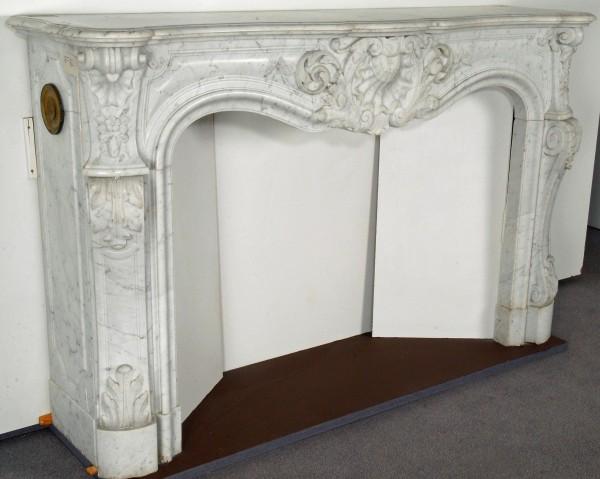 Marmorkamin carrara weiß; Stil: Louis XV
