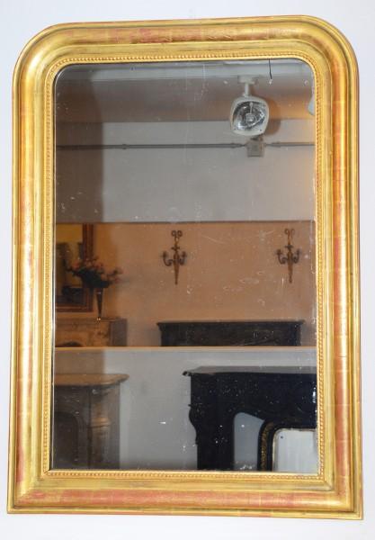 schlichter, goldener spiegel aus dem 19. jahrhundert