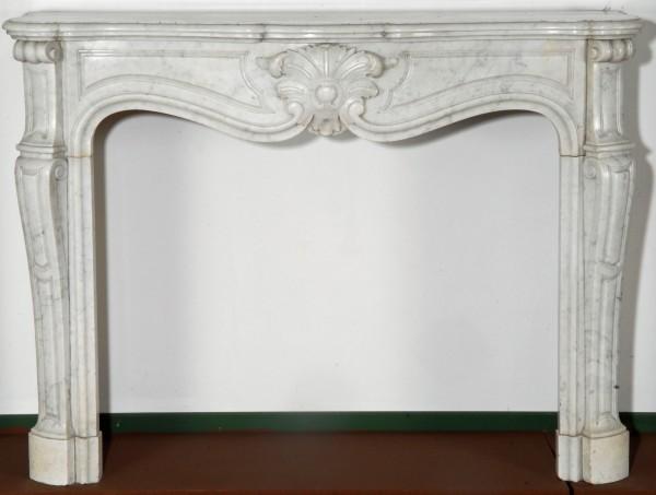 Stil: Louis XV Farbe: weiß-grau Ausführung: Marmor