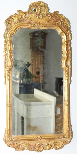 reich verzierter, goldener spiegel