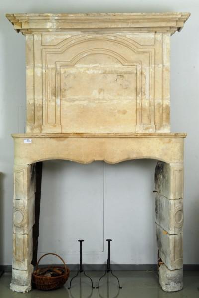 Stil: Louis XIV,  Ausführung: Sandstein