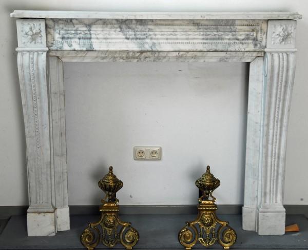 Stil: Louis XVI, Farbe: carrara weiß,  Ausführung: Marmor