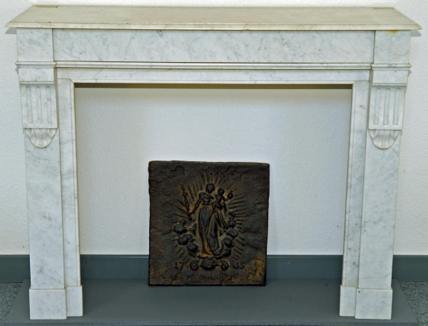 antiker-kamin-marmor-grau_150.jpg