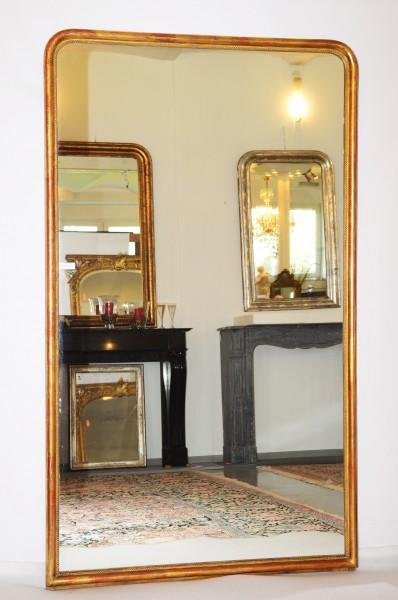 schlichter grosser spiegel aus dem 19. jahrhundert