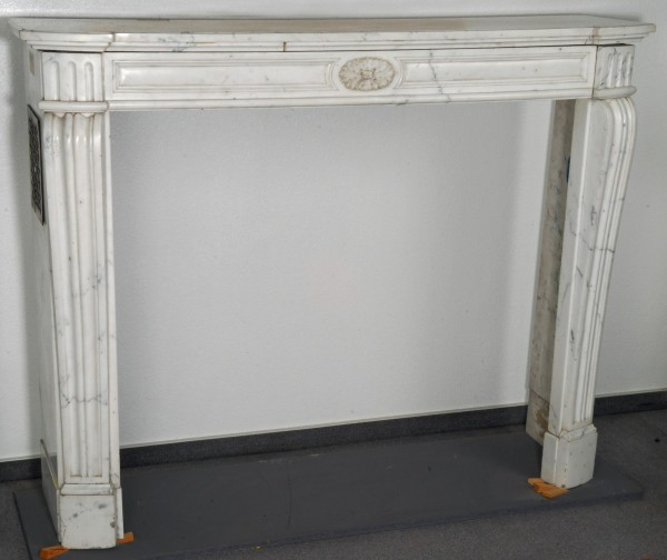 anrtiker-kamin-marmor-weis_69.jpg