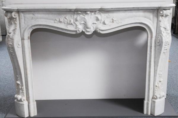 Marmorkamin weiß carrara; Stil Louis XV