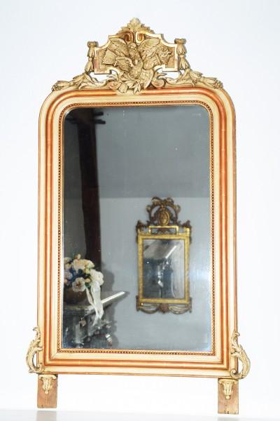 schön gearbeiteter  spiegel mit vögel, fackel und köcher