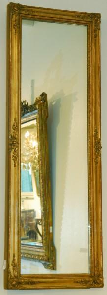 fein gearbeiteter spiegel aus dem 18. jahrhundert