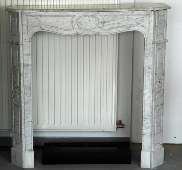 Stil: Louis XV, Farbe: carrara weiß,  Ausführung: Marmor