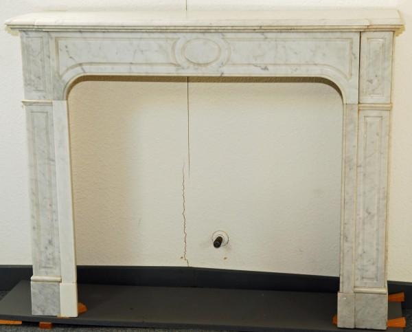 stil: pompadour,  carrara weißer marmorkamin